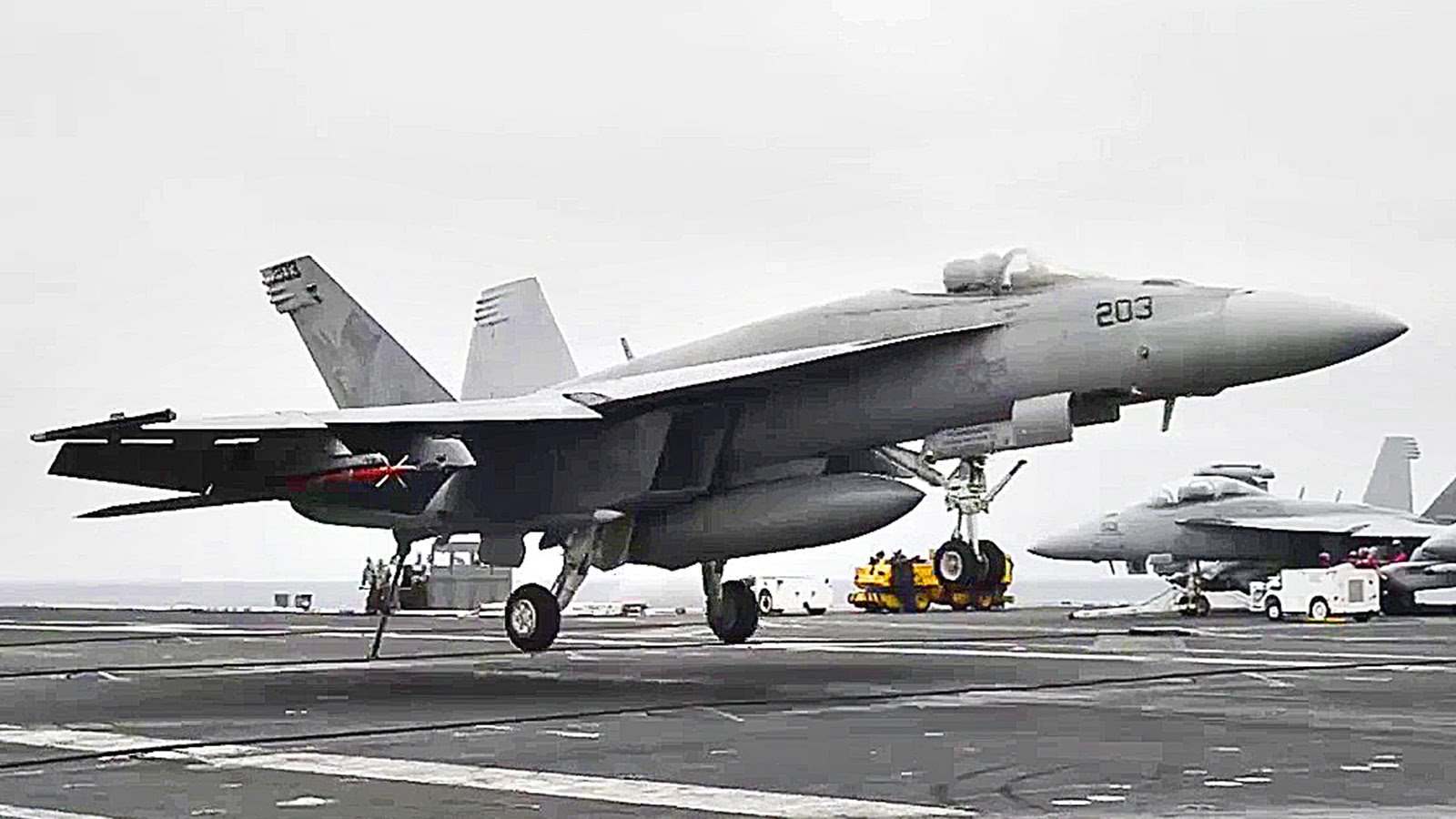 Aircraft Carrier: F-18 Super Hornet Landings, Flight Deck Operations