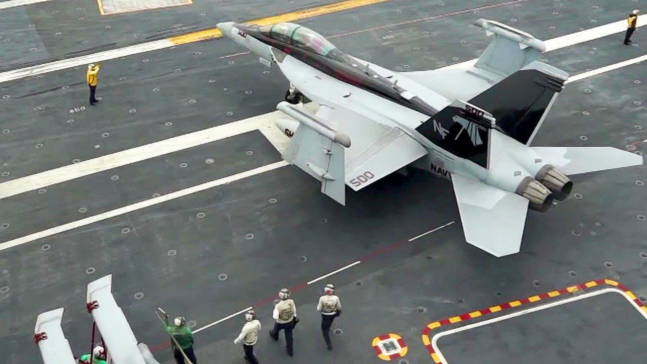 Aircraft Carrier USS George Washington – Flight Deck Operations