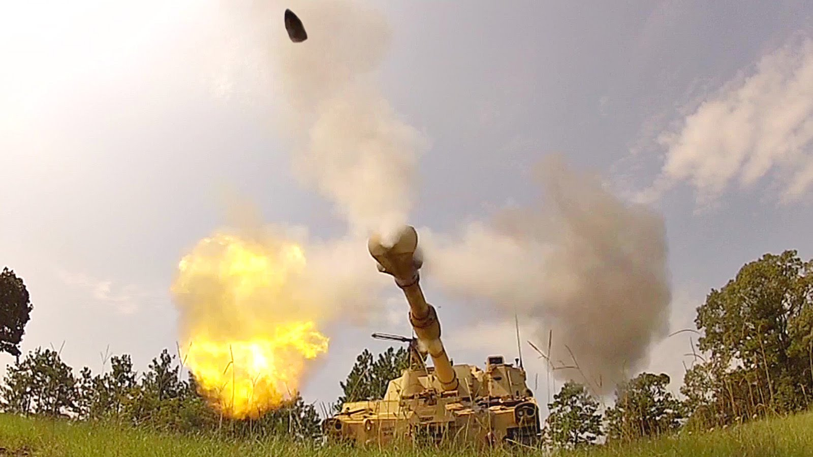 Deadly Powerful M109A6 Paladin Self-Propelled Howitzer Live Fire