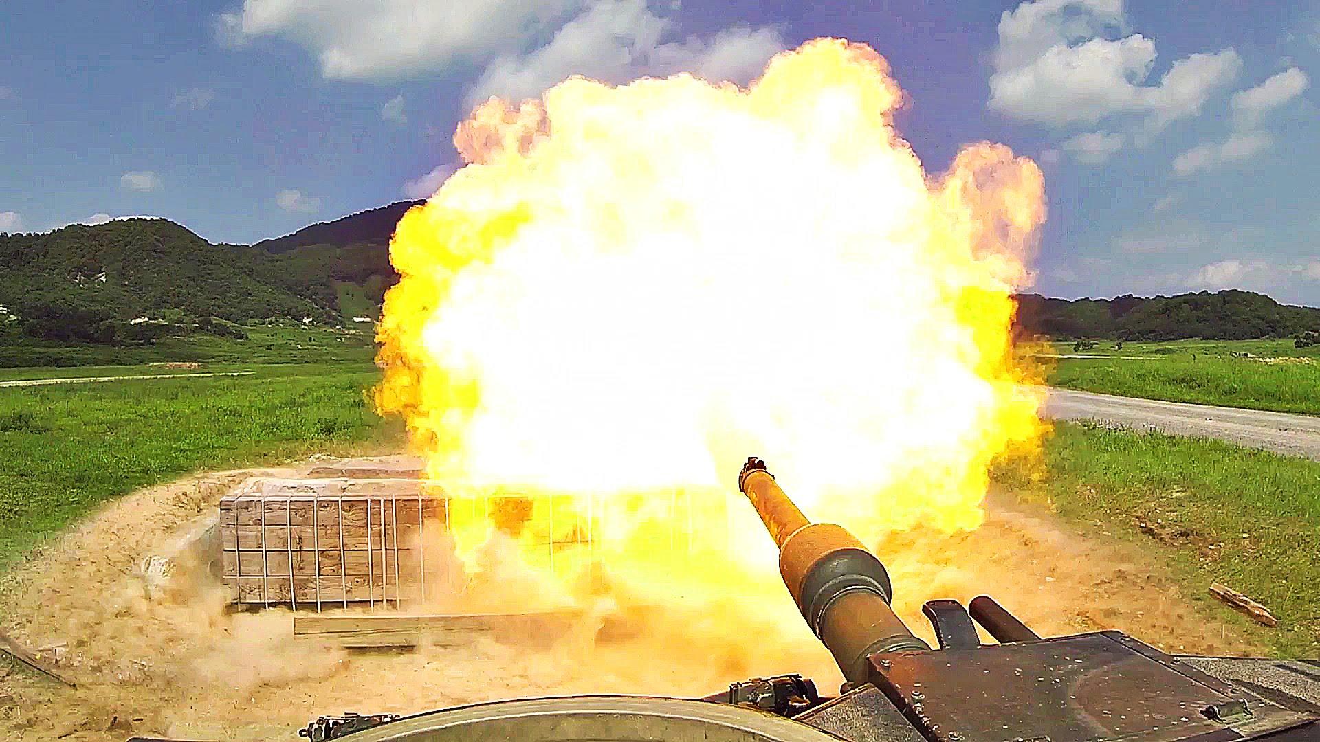 M1 Abrams Main Battle Tanks On The Range