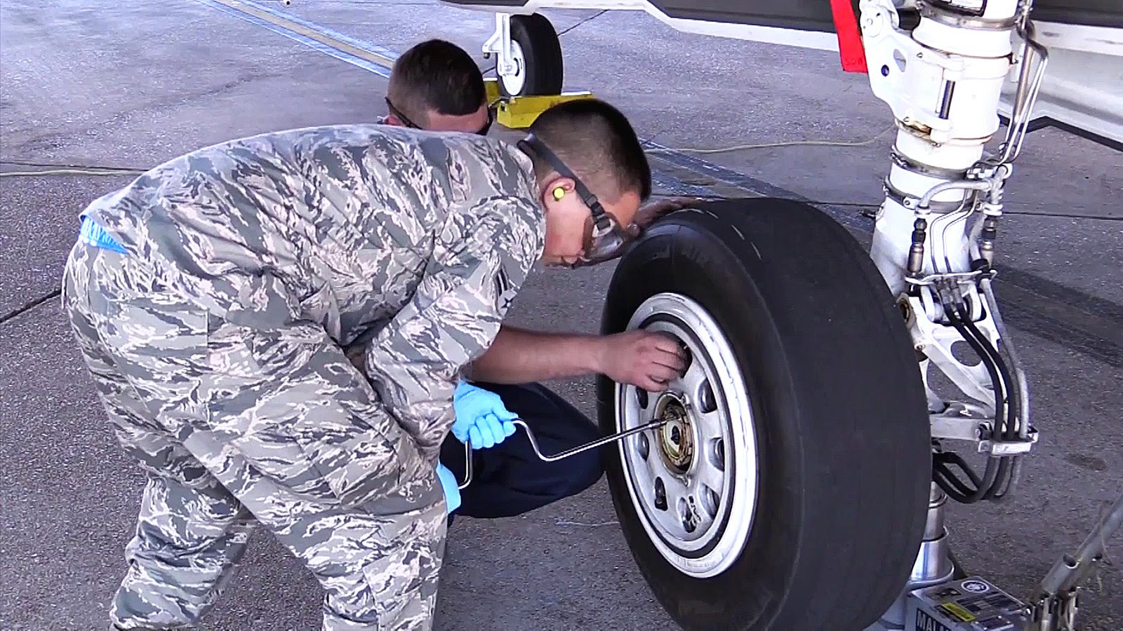 Tire Change On An F-35