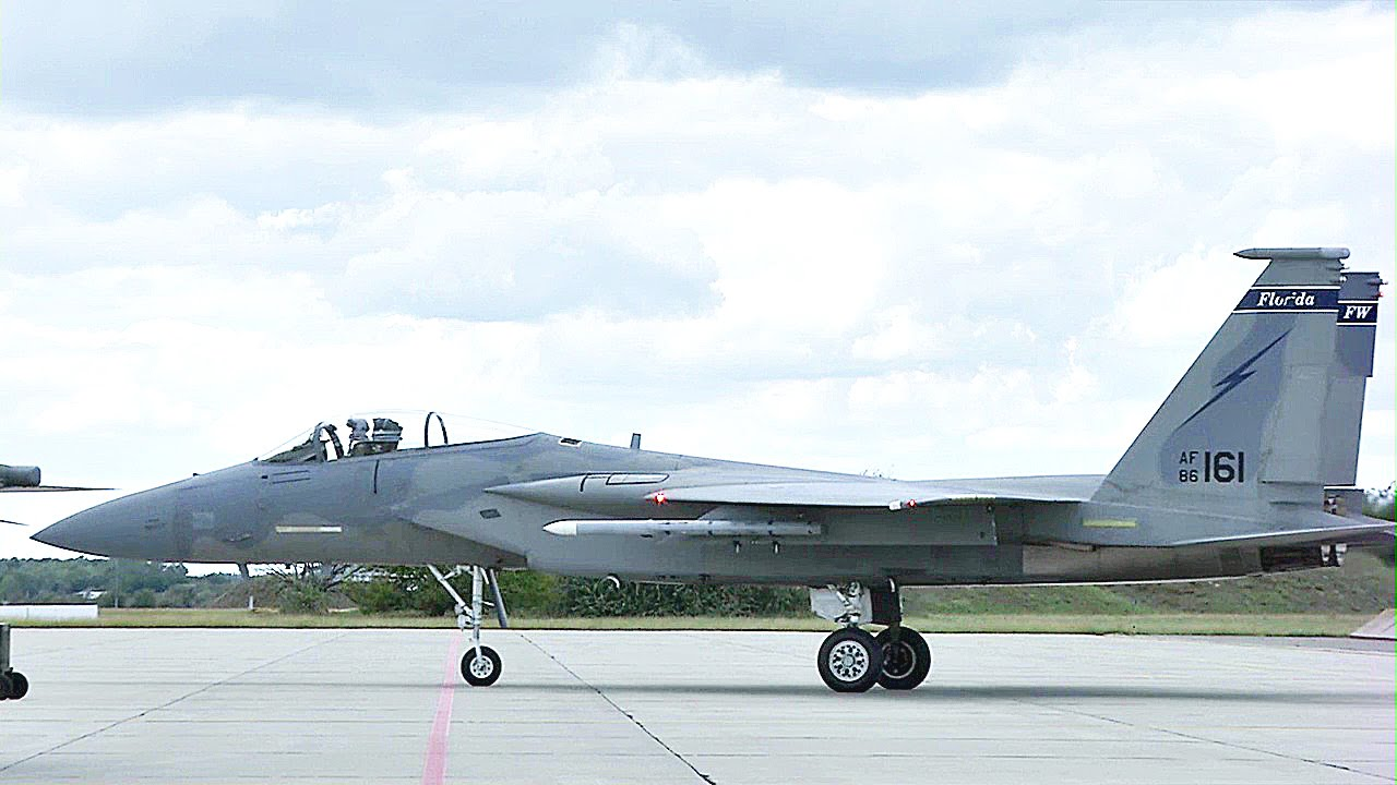 F-15 Fighters Landing/Takeoff/Taxi @ Kecskemét Air Base, Hungary